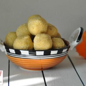 Besan Rava coconut ladoo  2