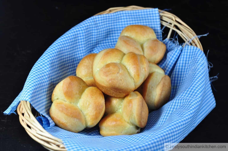 "<img src=""https://cdn.shortpixel.ai/client/q_glossy,ret_img,w_1600,h_1063/Cloverleaf dinner rolls.jpg"" alt="" cloverleaf dinner rolls"">"