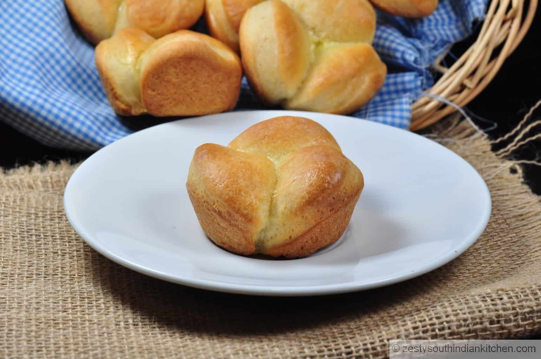 "<img src=""https://cdn.shortpixel.ai/client/q_glossy,ret_img,w_1600,h_1063/Cloverleaf dinner rolls.jpg"" alt="" cloverleaf dinner rolls1"">"