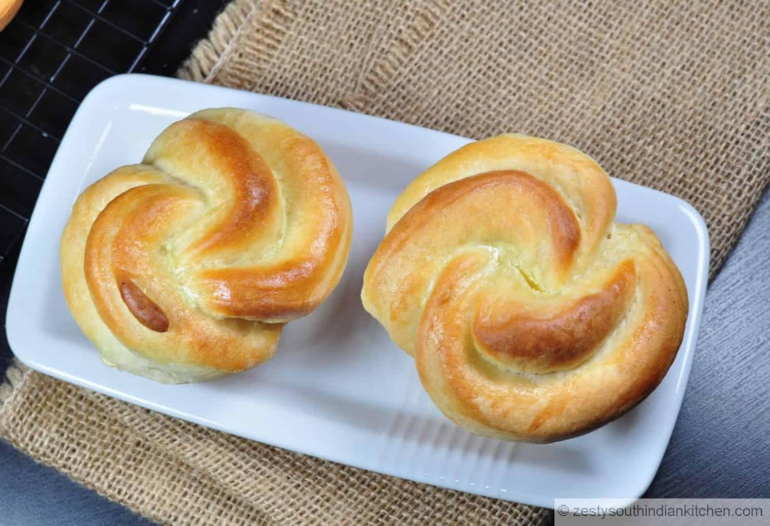 "<img src=""https://cdn.shortpixel.ai/client/q_glossy,ret_img,w_1600,h_1093/rose shaped dinner rolls.jpg"" alt="" rose shaped dinner rolls"">"