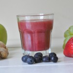 Immune boosting smoothie with berries and ginger: Diabetic friendly