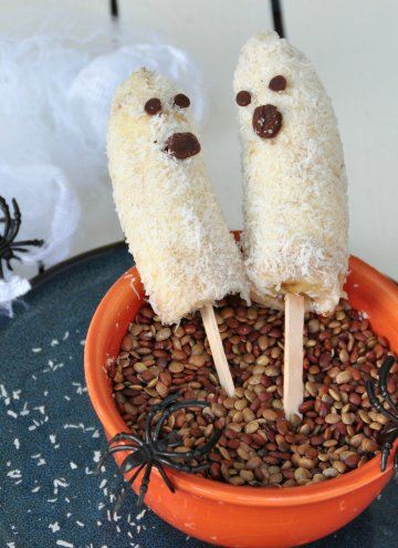 Banana Ghosts and Apple Ghosts
