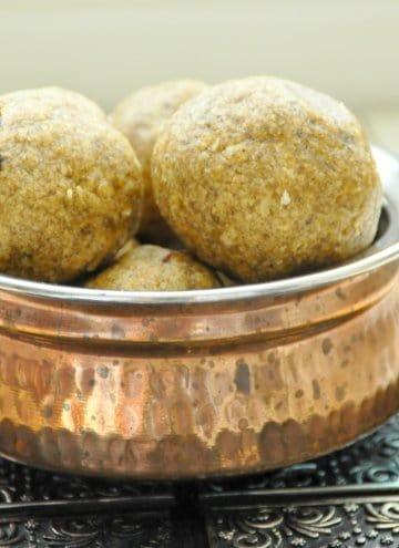 Manda puttu/Rice and mung bean sweet steamed balls