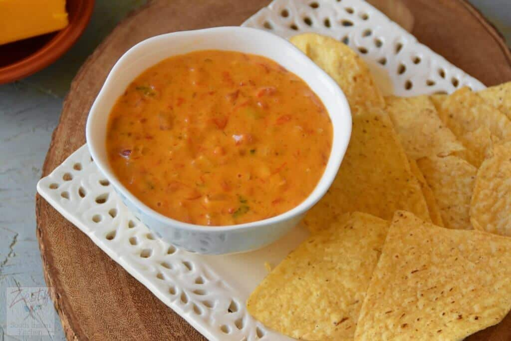 Lady bird johnsons chile con queso and book review zesty south chips and dips are a favorite of my family either as an afternoon snack or even as tea time accompaniments till now i only had store bought version of forumfinder Choice Image