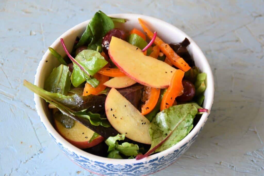 "<img src=""https://cdn.shortpixel.ai/client/q_glossy,ret_img,w_1024,h_683/springmix salad .jpg"" alt=""spring mix salad in a bowl "">"