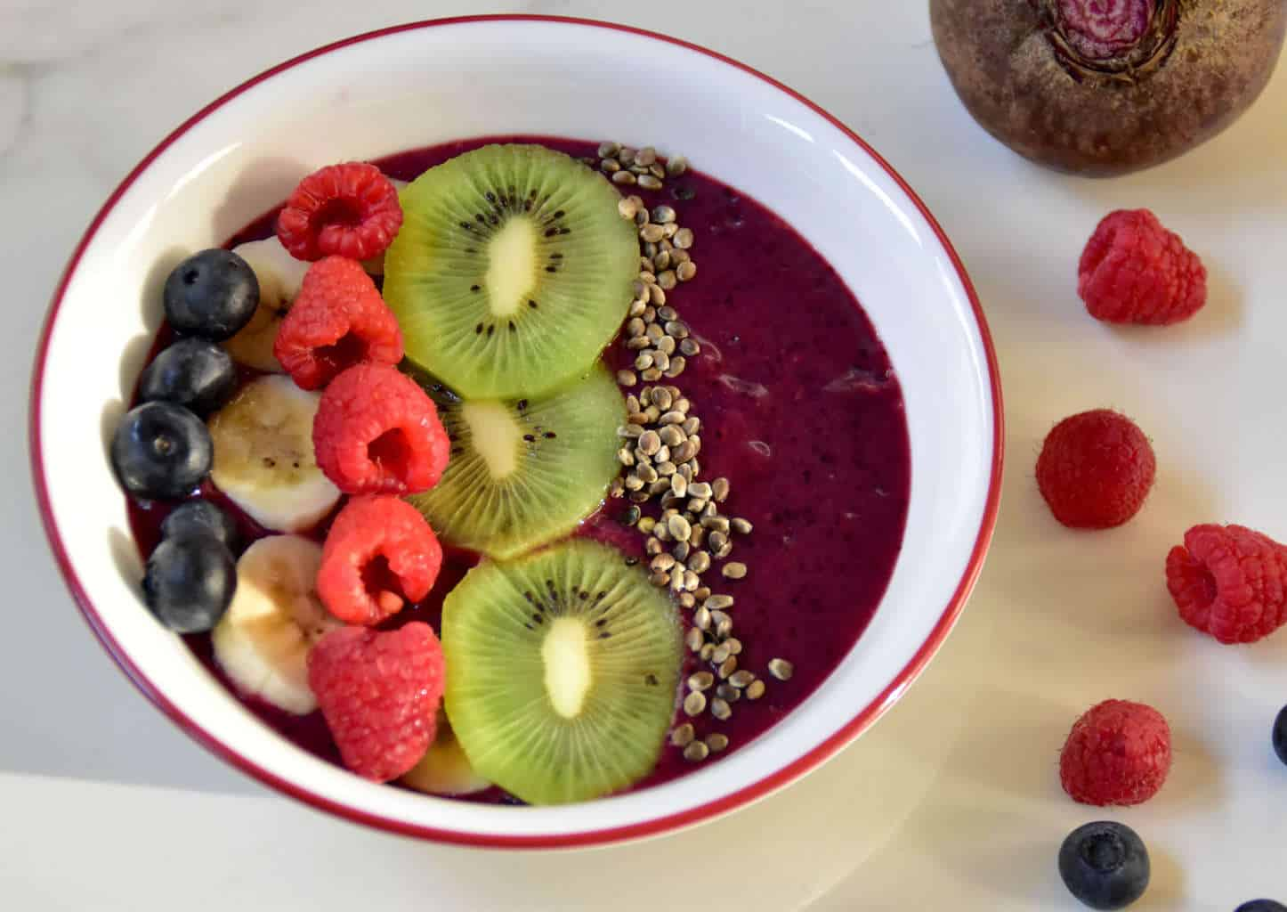 Antioxidant rich Beet Berry and Banana Smoothie bowl