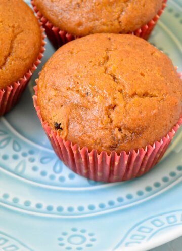 Pumpkin Pie Spice Cranberry Muffins