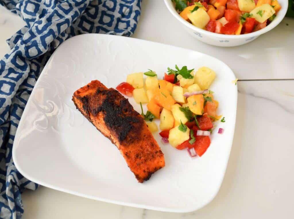 """<img src=""""blackened salamon.jpg"""" alt=""""blackened salmon and pineapple salsa 3 """">"""