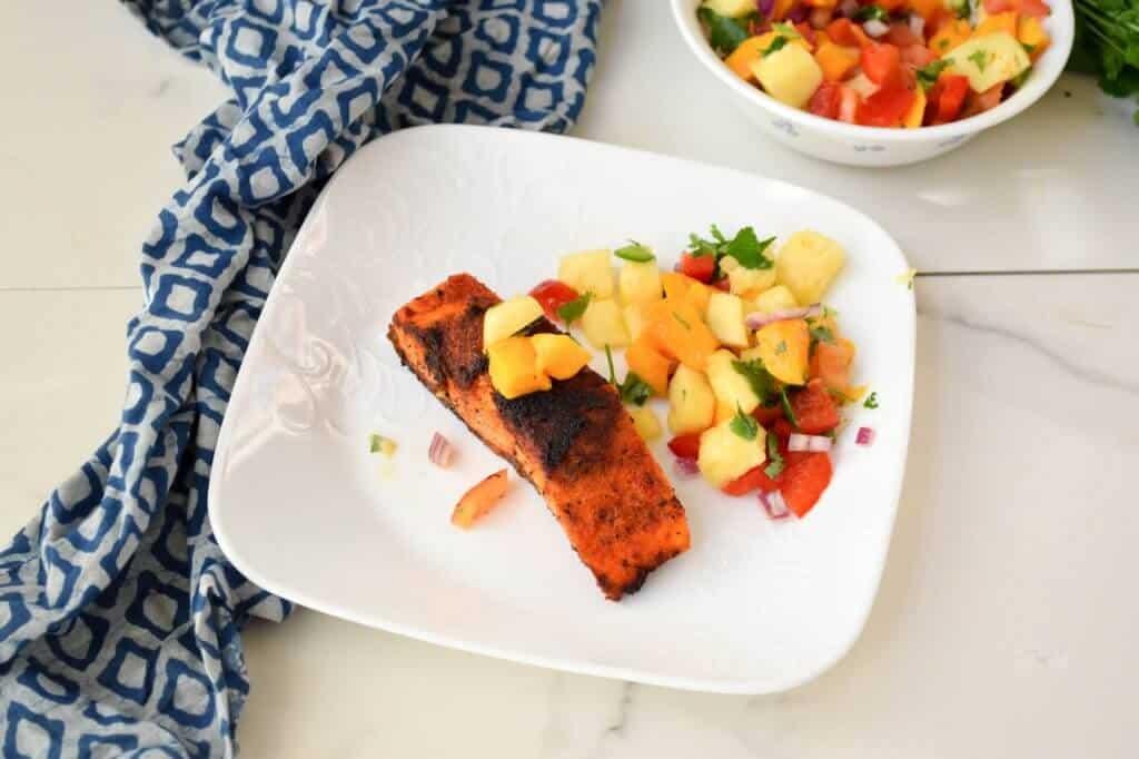 """<img src=""""blackened salamon.jpg"""" alt=""""blackened salmon and pineapple salsa 2 """">"""