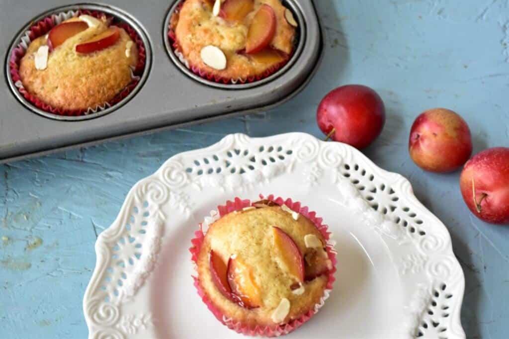 "<img src=""https://cdn.shortpixel.ai/client/q_glossy,ret_img,w_720,h_480/muffins.jpg"" alt=""Cherry-plum muffins2.jpg"">"