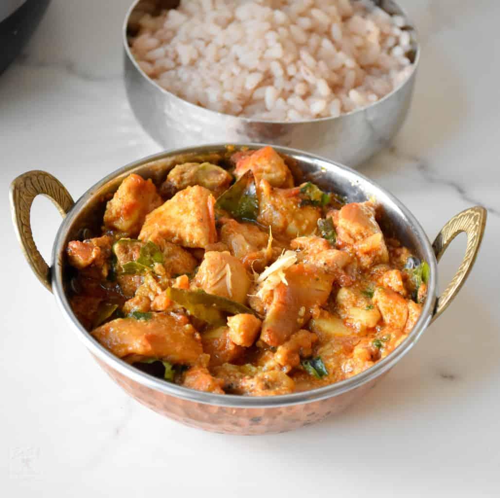 "<img src=""https://cdn.shortpixel.ai/client/q_glossy,ret_img,w_1028,h_1024/chicken curry.jpg"" alt=""multicooker kerala style chicken curry2"">"