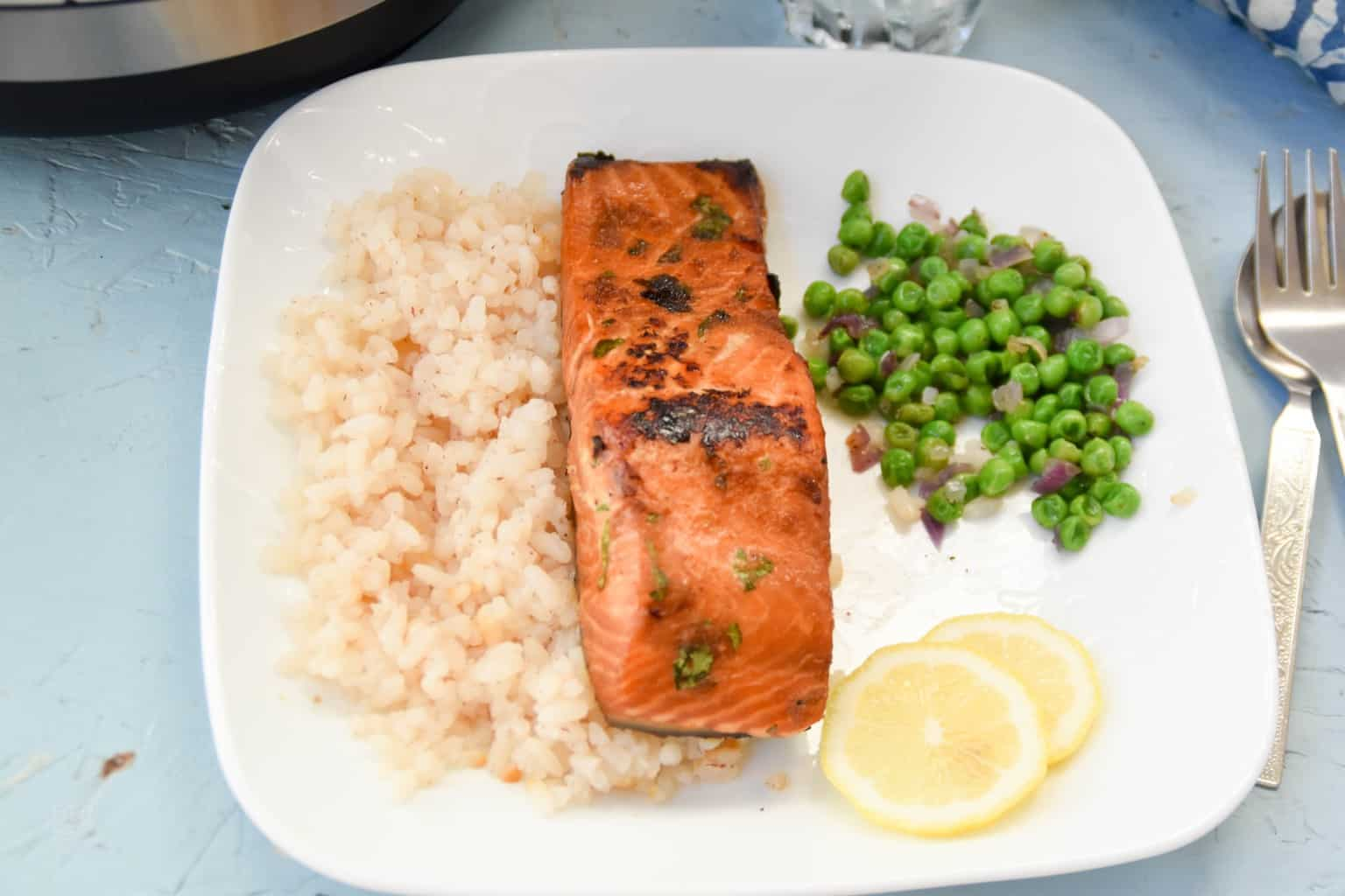 """<img src=""""https://cdn.shortpixel.ai/client/q_glossy,ret_img,w_1536,h_1024/sous vide salmon.jpg"""" alt=""""sous vide salmon with ginger and soy sauce marinade 2"""">"""