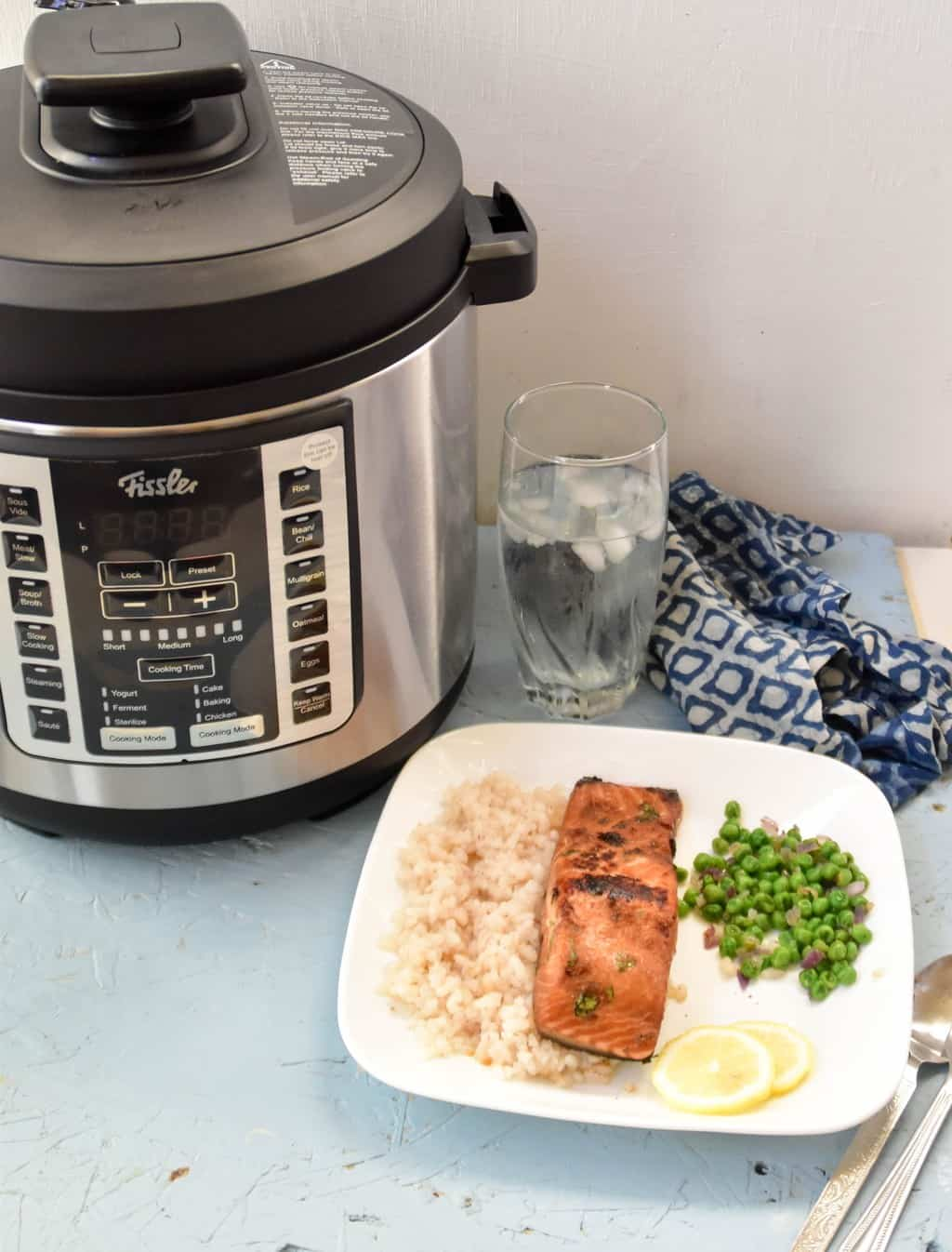 """<img src=""""https://cdn.shortpixel.ai/client/q_glossy,ret_img,w_1024,h_1346/sous vide salmon.jpg"""" alt=""""sous vide salmon with ginger and soy sauce marinade 3"""">"""