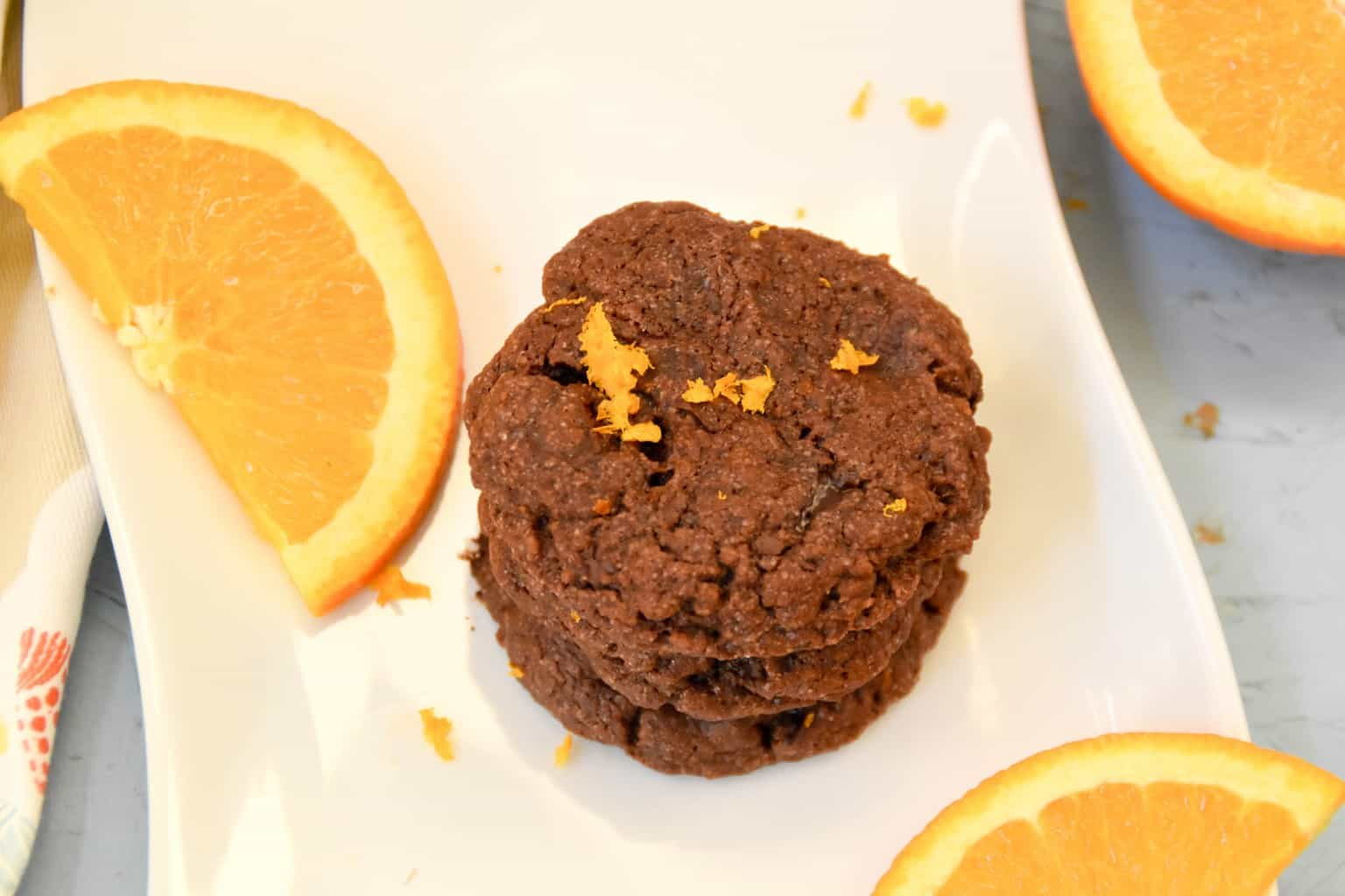 "<img src=""https://cdn.shortpixel.ai/client/q_glossy,ret_img,w_4096,h_2730/Vegan double chocolate orange cookies.jpg"" alt=""Vegan double chocolate orange cookies2"">"